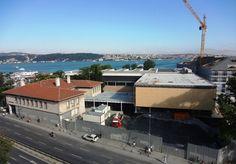Beşiktaş deniz müzesi.  İstanbul'un en eski semtlerinden biri olup ilçeye adını vermiştir. Barbaros Bulvarı, Beşiktaş Caddesi ve Çırağan Caddesi'nin kesiştiği noktada yer alır ve Sinanpaşa mahallesi sınırları içinde bulunur. Beşiktaş Barbaros Hayrettin Paşa İskelesi, Barbaros Anıtı, Barbaros Hayreddin Paşa Türbesi, Sinan Paşa Camii ve İstanbul Deniz Müzesi önemli yapıları içinde barındırır.