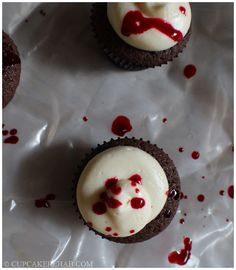 Cupcake Rehab - Blood spatter cupcakes for Halloween... or a Dexter watching party! #Dexter #Halloween