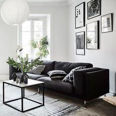 Espacios monocromáticos en blanco y negro, conoce más sobre psicología del color en nuestro Blog.