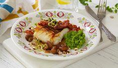 Skrei med ertepuré, sopp, bacon og nøttesmør er en smaksopplevelse uten like. Imponer familien med denne oppskriften i dag. Broccoli, Dinner Recipes, Food And Drink, Beef, Vegetables, Liv, Bacon, Meat, Vegetable Recipes