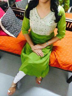 Salwar Pattern, Kurti Patterns, Fancy Blouse Designs, Saree Blouse Designs, Churidar Designs, Stylish Suit, Kurti Designs Party Wear, Indian Designer Outfits, Traditional Fashion