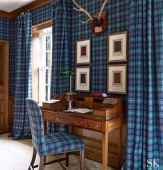 If you're feeling bold, take a note from Suzanne Kasler. The coordinating wallcovering and curtains add a dramatic flair, and the corresponding desk chair ties the room together. And the blue-and-purple colorway pops! Tartan Decor, Tartan Plaid, Tartan Curtains, Victorian Cottage, Vintage Sofa, Elle Decor, House Design, Furniture, Interior Design