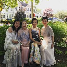 Reminiscing of a special mother daughters ( missing Marilou) photo at my niece elizabeth Chinloy's wedding  @natoricompany #motherdaughter #sisterlylove #summer17 #blacktie