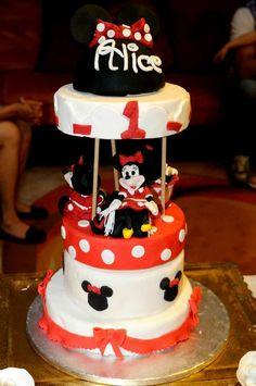Minnie cake carillon
