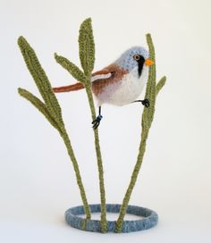 Bearded tit (bearded reedling) in reeds - crocheted table-top sculpture in wool, silk, mohair and alpaca Crotchet Patterns, Crochet Animal Patterns, Stuffed Animal Patterns, Knitting Patterns, Crochet Birds, Crochet Animals, Crochet Toys, Crochet Baby, Crochet Ornaments