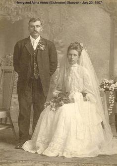 """1907....looks """"arranged"""""""