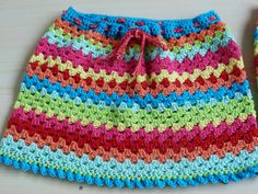 How to Crochet a Bodycon Dress/Top - Crochet Ideas Black Crochet Dress, Crochet Skirts, Crochet Clothes, Crochet Ripple, Crochet Lace, Crochet Beanie Pattern, Crochet Patterns, Skirt Pattern Free, Free Pattern