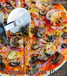Easy Tortilla Pizza Recipe / Thin crust veggie lovers pizza - easy and quick to make this for dinner
