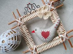 Плетеные корзины, короба... Красноярск. Willow Weaving, Basket Weaving, Seasonal Decor, Holiday Decor, Paper Jewelry, Decoupage, Wicker Baskets, Christmas Ornaments, Balloons