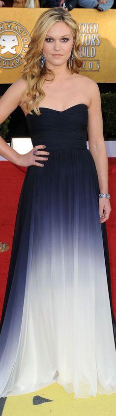 Red Carpet fashion dress - Julia Stiles at the 2011 SAG Awards. Celebrity Red Carpet, Celebrity Style, Casual Dresses, Fashion Dresses, Sweet Dress, Dress Red, Celebrity Wedding Dresses, Gowns Of Elegance, Dressed To Kill