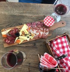 How to explore Ljubljana: with our foodwalk as well!