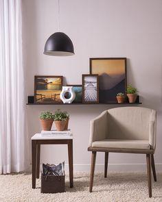 Um espaço aconchegante é garantia de tranquilidade e conforto. E o melhor de tudo é que bastam poucos elementos para compô-lo.  Produtos: - Poltrona Augusta 64cm Corino Bege: - Enfeite Coruja Branco Brilhon  #ProduçãoCasaMobly #CasaMobly #producaomobly #Mobly #MoblyBr #decoration #instadecor #instahome #casa #home #interiordesign #homedesign #homedecor #homesweethome #inspiration #inspiração #inspiring #decorating #decorar #decoracaodeinteriores