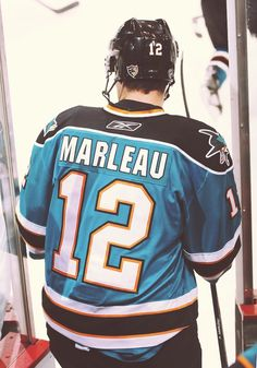ima miss this man :( Patrick Marleau, Shark Bites, San Jose Sharks, Vancouver Canucks, Shark Tank, Hockey Players, Football Team, Baby Love, Nhl