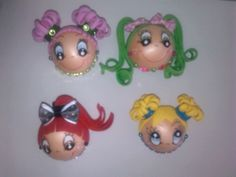 Broches de caritas 3 Clothespin Dolls, Doll Face, Magnets, Craft Ideas, Christmas Ornaments, Holiday Decor, Crafts, Mariana, Soft Dolls
