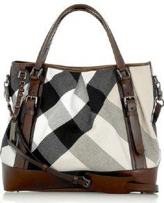 f31596d6d0e5d Burberry - Love the dark leather detail with lighter nova check. Borse Alla  ModaBorsa ...