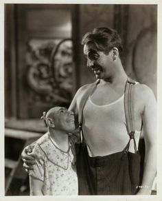 Schlitzy & Wallace Ford in Tod Browning's, 'Freaks' (1932).
