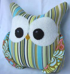 Cute owl pillow.. I wanna make, ASAP!