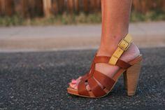 Seychelles-Squeak-Heel-8-5-Two-Tone-Sandal