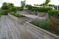 Tuinen 200 - 500 m² strakke, moderne of natuurlijke vormen