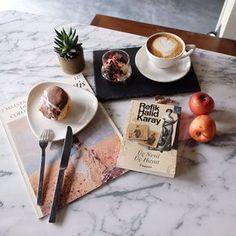 """1,842 Beğenme, 7 Yorum - Instagram'da Duygu Ozdemir (@1kitap.1mekan): """"@nannyistanbul 'un birbirinden güzel tatlıları arasından seçmek her ne kadar zor olsa da alman…"""""""