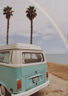 Traveling California's Pacific Coast in a vintage 1970 VW van. Beach Aesthetic, Summer Aesthetic, Blue Aesthetic, Travel Aesthetic, Aesthetic Vintage, Aesthetic Photo, Aesthetic Pictures, Bedroom Wall Collage, Photo Wall Collage