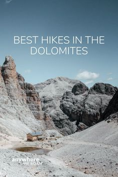 The Italian Alps are an excellent destination for some great hiking. After a number of visits we've put together the best day hikes in the Dolomites. / #dolomites #dolomiteshike #hikingdolomites / hiking in the Dolomites.