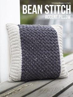 Bean Stitch Accent Pillow | Little Monkeys Crochet