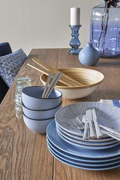 Woonexpress | trendkleur blauw | smaakvol tafelen | Blauw en wit combineren altijd mooi!