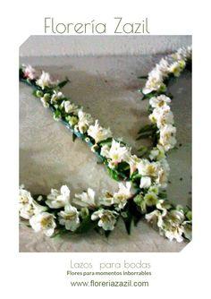 Lazo de Novios | Hecho de alstroemerias, pomponcitos, y aster. Flores para bodas en Cancún y Riviera Maya.  Contacto: ventas@floreriazazil.com