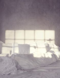 morning light on white sheets Morning Mood, Morning Light, Monday Morning, Morning Morning, Home Interior, Interior And Exterior, Interior Design, Interior Styling, My New Room