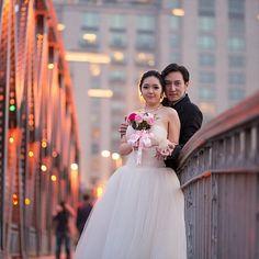 Свадебная галлерея Engagement Photography, Photo Sessions, Wedding Engagement, Poses, Wedding Dresses, Inspiration, Clothes, Fashion, Figure Poses