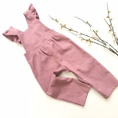 Jumpsuits For Girls, Girls Rompers, Toddler Flower Girls, Toddler Girl, Dresses Kids Girl, Kids Outfits, Baby Girl Fashion, Kids Fashion, Staubige Rose