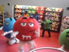 M & M's get funky with the Cha Cha Slide at M World in London. (about 3 minutes)