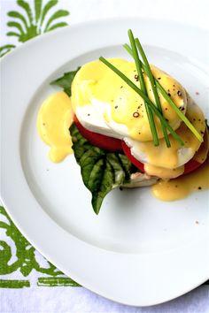 Caprese Eggs Benedict by thecurvycarrot #Eggs_Benedict