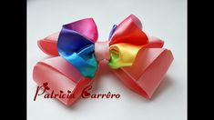 Laço de fita colorida