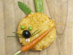 10 Healthy, Kid-Friendly Finger Foods These bite-sized snacks and meals are perfect for picky eaters. From Annabel Karmel's Top 100 Finger Foods Healthy Kids, Healthy Snacks, Healthy Eating, Healthy Recipes, Nutritious Meals, Toddler Meals, Kids Meals, Toddler Recipes, Cute Food