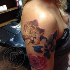 Francisco Sanchez - realistic flower tattoo
