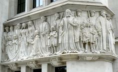 Lady Jane Grey accepting the crown -- Frieze - Middlesex Guildhall, London.