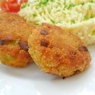 Kari karbanátky z červené čočky recept - Vareni.cz Corn Flake Crumbs, Clean Recipes, Healthy Recipes, A Food, Food And Drink, Shrimp Cakes, Seafood Dishes, Salmon Burgers, Cauliflower