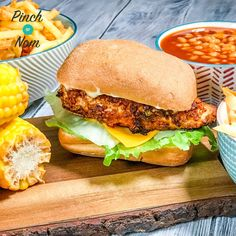 of our favourite choices from the KFC menu used to be the zinger burger - this Low Syn KFC Zinger Burgers recipe is the perfect Slimming World friendly replacement! Kfc Chicken Slimming World, Slimming World Dinners, Slimming World Recipes, Healthy Eating Recipes, Cooking Recipes, Healthy Meals, Yummy Recipes, Healthy Food, Kfc Chicken Recipe