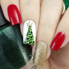 Festive Christmas Nail Designs for An outstanding Christmas nail art can help you get into the Christmas spirit.Hopefully you will find yours from this list and make you stand out this season. Christmas Tree Nail Art, Christmas Nail Art Designs, Disney Christmas Nails, Winter Christmas, Christmas Trees, Christmas Design, Christmas 2017, Christmas Quotes, Xmas Nails