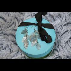 Leaf earrings in silver Dangly delicate silver filigree earrings Jewelry Earrings