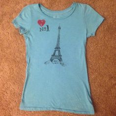 Eiffel Tower graphic tee Eiffel Tower graphic tshirt from American eagle American Eagle Outfitters Tops Tees - Short Sleeve