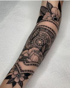 Als Melhores Tattoos de Pet - diy tattoo images - Tatuaje Forearm Tattoos, Body Art Tattoos, New Tattoos, Tatoos, Henna Arm Tattoo, Arm Tattos, Tattoos Pics, Full Arm Tattoos, Styles Of Tattoos