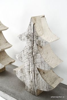 IngerJohanna: Favoritgranar - Christmas Trees from Chunky Salvaged Wood