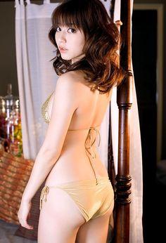 日本人气美模性感写真  #人气美女# #写真# #养眼#
