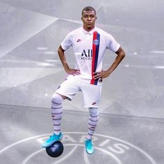 French Soccer Players, Psg, Sporty, Album, Style, Fashion, Football Players, Football Pictures, Artists