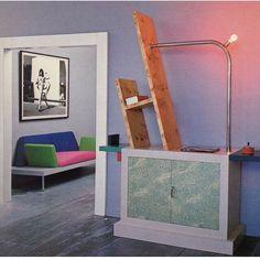 > Karl Lagerfeld 's Monaco apartment - Memphis design Kitsch, Gentlemans Quarters, 1980s Design, Estilo Art Deco, Interior Architecture, Interior Design, Memphis Design, Design Movements, Postmodernism