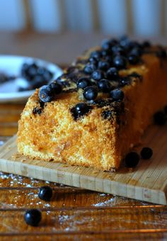 Gluten free coconut and blueberry cake Gluten Free Baking, Gluten Free Recipes, Blueberry Cake, Mat, Free Food, Paleo, Coconut, Foods, Friends