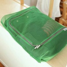 Buy OH.LEELY Mesh Travel Garment Organizer at YesStyle.co.uk! Quality products at remarkable prices. FREE SHIPPING to the United Kingdom on orders over £ 25. United Kingdom, Mesh, The Unit, Organization, Free Shipping, Bags, Stuff To Buy, Travel, Products